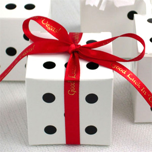 dice-wedding-favor-boxes-01