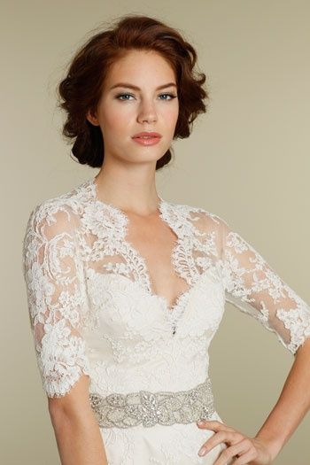long-sleeve-lace-wedding-gown-4